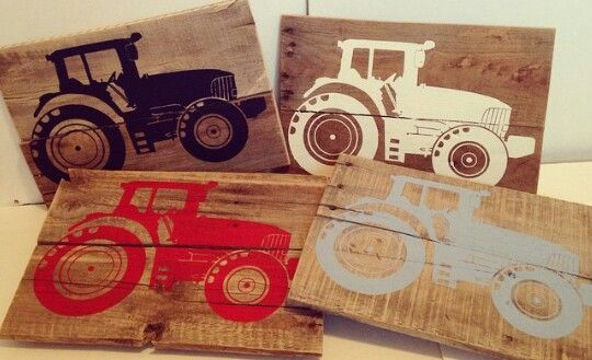 Tractor wood pallet sign