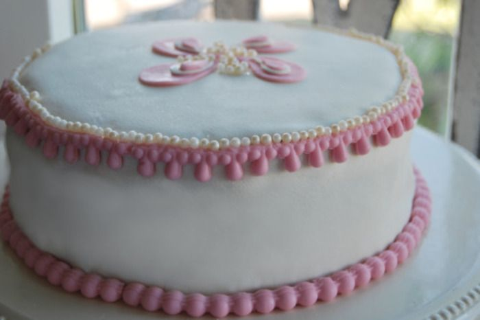 Passion 4 baking » Rosa vanilje kake med marsipan