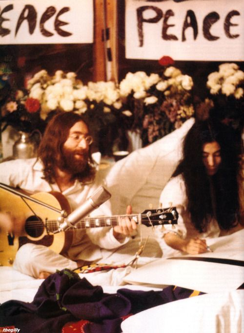 John and Yoko record Give Peace a Chance, Room 1742, Hotel Reine Elizabeth, Montreal, 1 June 1969
