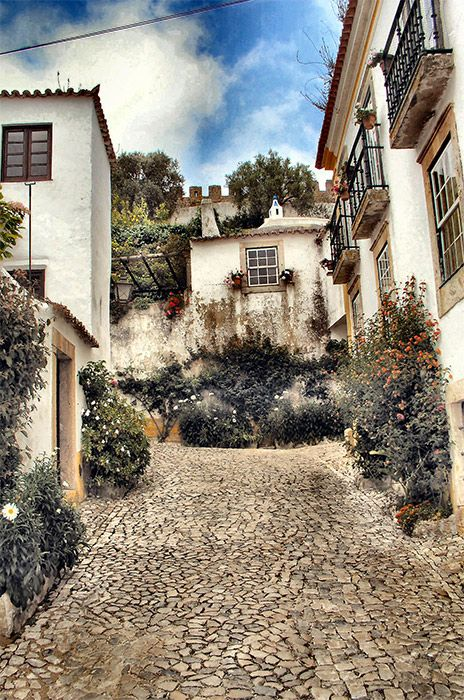 Óbidos. One of the prettiest towns in Portugal we loved it.