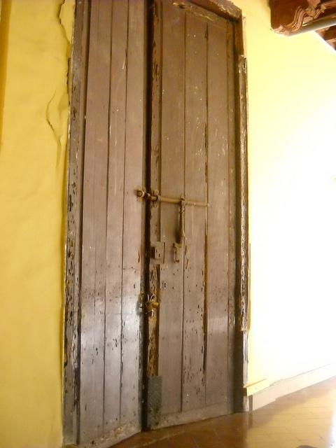Puerta - Convento de Santo Domingo by John Hernandez Vera, via Flickr