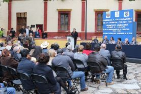 - Se realiza también un homenaje de los fundadores con la develación de una placa. Jalpan de Serra, Qro., a...