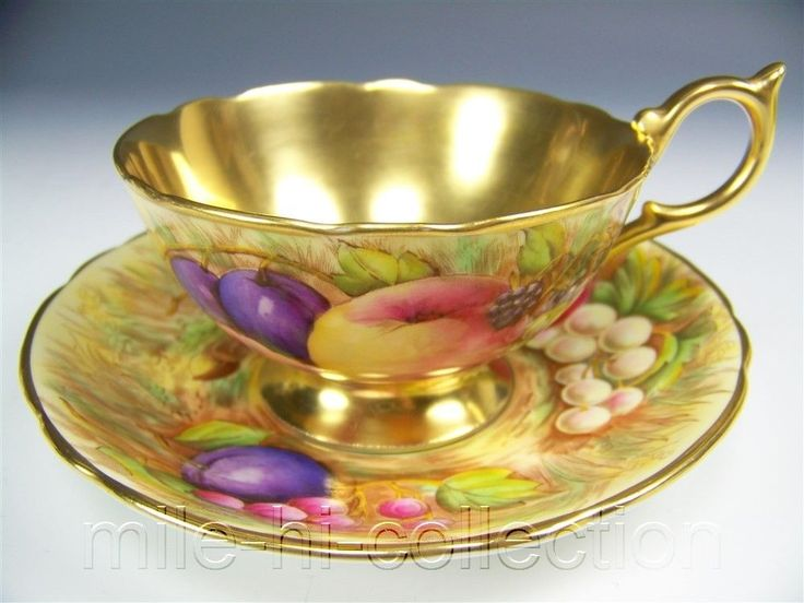 AYNSLEY GOLD FRUITS #746 TEA CUP AND SAUCER SET in Antiques, Decorative Arts…