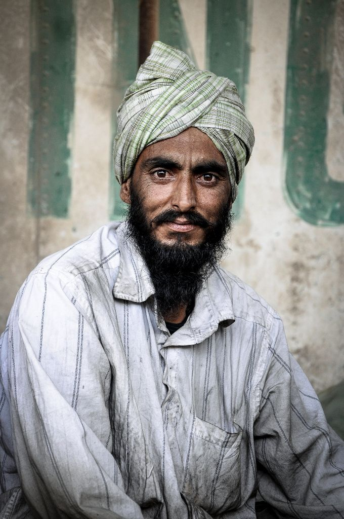 Portrait Punjabi migrant worker - Gulf Region - Photo by Stefanistan