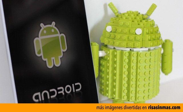Andy la mascota de Android hecho con LEGO.