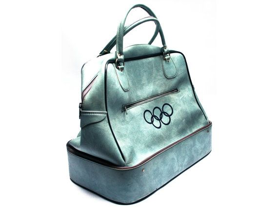 Grand sac de sport ou de voyage . Anneaux des Jeux Olympiques . En cuir…