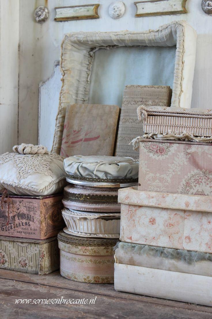Vintage Fabric Covered Boxes - via Servies en Brocante - Crockery and Flea Market: New finds
