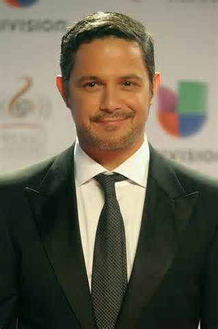 "Alejandro Sanz Spanish singer Alejandro Sanz attends ""40 Principales ..."