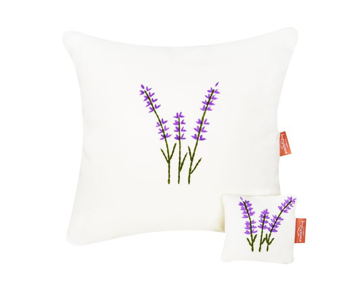 Pillow and sachet with lavender - hand embroidery and natural plant inside #pillow #sachet #nature #lavender #calm #relaxing #sleep #handembroidery #perfect #gift