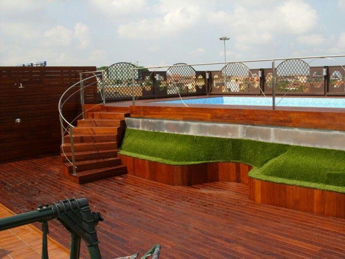 Escalera piscina elevada piscinas pinterest - Piscinas de madera semienterradas ...