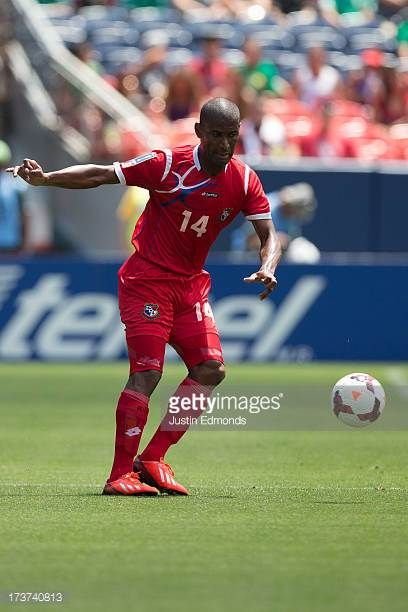 Juan Perez of Panama in action against Canada during the first half of a CONCACAF Gold Cup match at Sports Authority Field at Mile High on July 14...