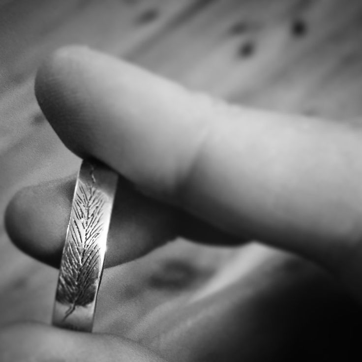 The Wanderer Band // Feather Ring // Gifts for Her // Gifts for Him // Wedding ring // Sterling Silver Jewellery by BlackDogDesignsAU on Etsy https://www.etsy.com/au/listing/387563904/the-wanderer-band-feather-ring-gifts-for