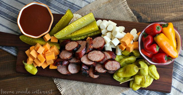Memphis BBQ Sausage Platter is a traditional BBQ appetizer with BBQ grilled sausage. It makes a great summer BBQ recipe for parties!