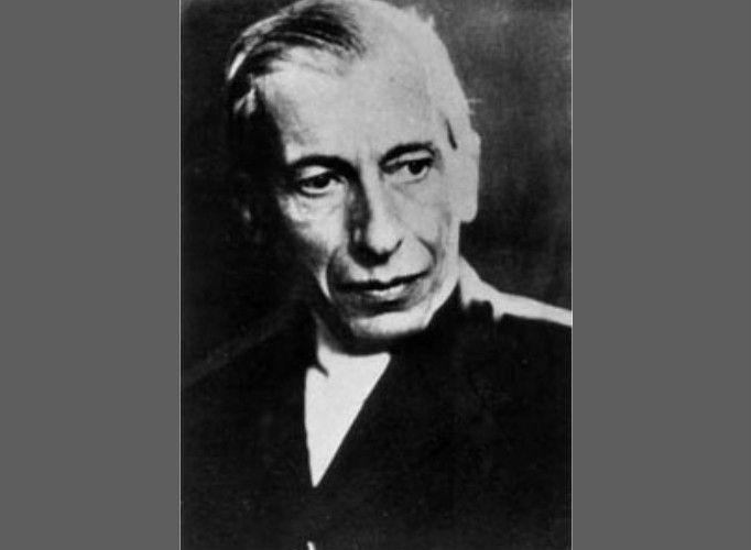 Nicolae Constantin Paulescu (n. 8 noiembrie sau 30 octombrie SV 1869, București; d. 19 iulie 1931, București) a fost un om de știință român, medic și fiziolog, profesor la Facultatea de Medicină din București, ce a contribuit la descoperirea hormonului antidiabetic eliberat de pancreas, numit mai târziu insulină.