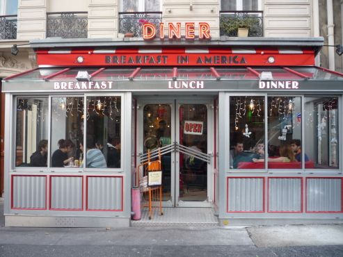 Breakfast in America, 17 rue des Ecoles,  5e  Paris. So there is hope for a proper breakfast?
