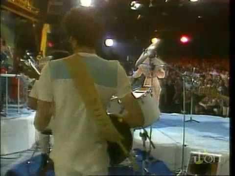 Rita Lee - Lança Perfume (Ao Vivo 1981) https://www.youtube.com/watch?v=ra6xoR36o4Y