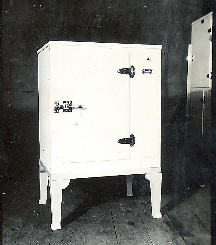 27 best mini frigo mobile images on pinterest. Black Bedroom Furniture Sets. Home Design Ideas