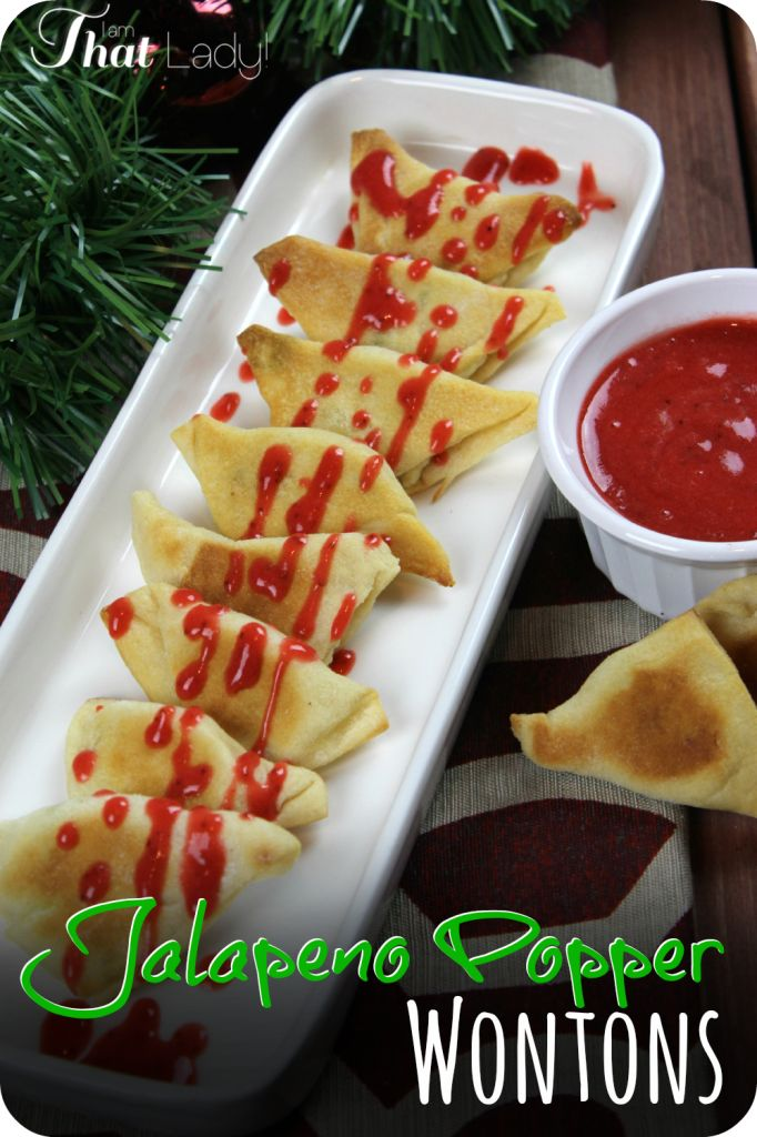 Are you looking for a fun and easy appetizer to make for a party? Here is a super easy and delicious Jalapeño Popper recipe with only 4 ingredients. The extra Strawberry Dipping sauce makes it even better! #ad #HolidayAdvantEdge