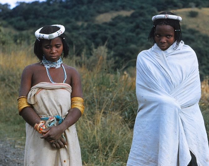 Young girls in Pondoland 1950's. Picture Osmo Vartiainen.