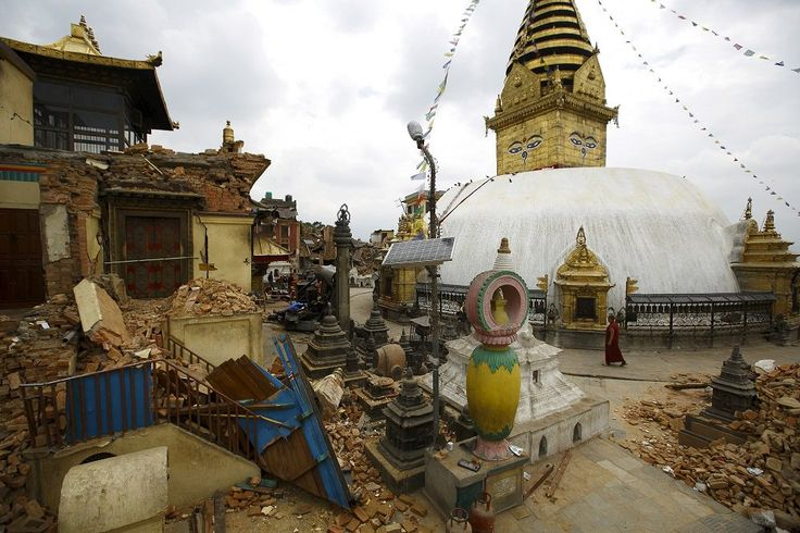 What can tourists do to help Nepal's quake recovery?