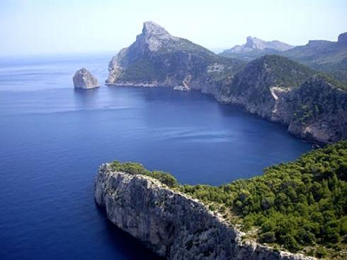 http://www.seemallorca.com/sights/caves/cap-de-formentor-northern-tip-of-mallorca