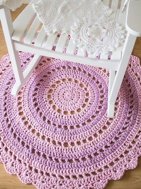 I made this mandala rug as a tutorial for Crafttuts+. It's perfect for beginners and it's made from t-shirt yarn.