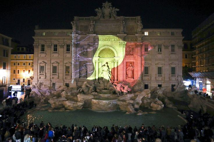 El mundo se ilumina con los colores de la bandera belga (FOTOS)