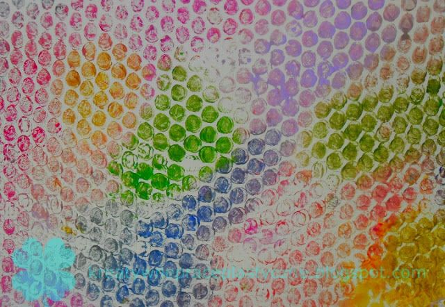 Fun art for kids: bubble wrap printing.