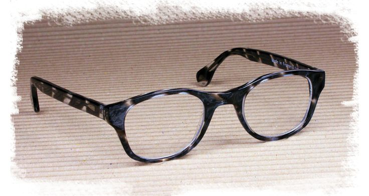 Large Frame Tortoise Shell Glasses : 1000+ images about Tortoise Shell Signature Frames on ...