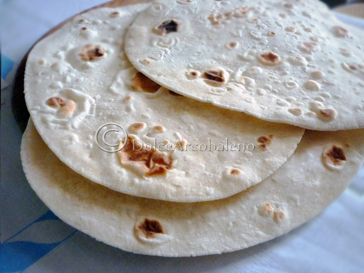 Piadina+con+farina+di+Kamut,+ricetta+base.