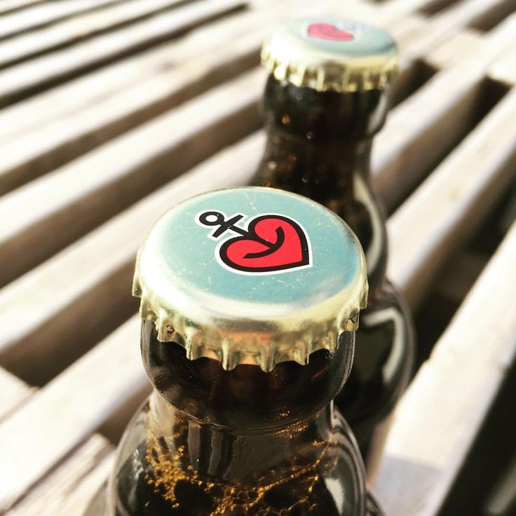 ⚓️❤️ Tro, håb, kærlighed... & øl!  #hjemhavn #inspiration #astra #stpauli #hamburg #prost #øl #bier #beer #anker #skål #astrabier #trohåbogkærlighed #brew