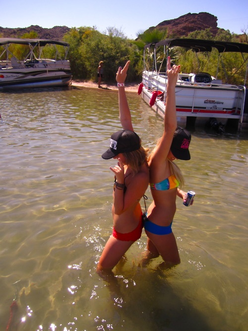i really want to do this with my bestie this would be sooo fun!