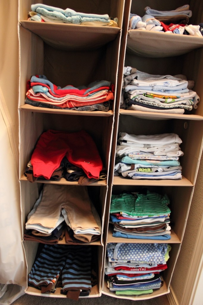 Nursery organization space saving : Way to organize baby clothes