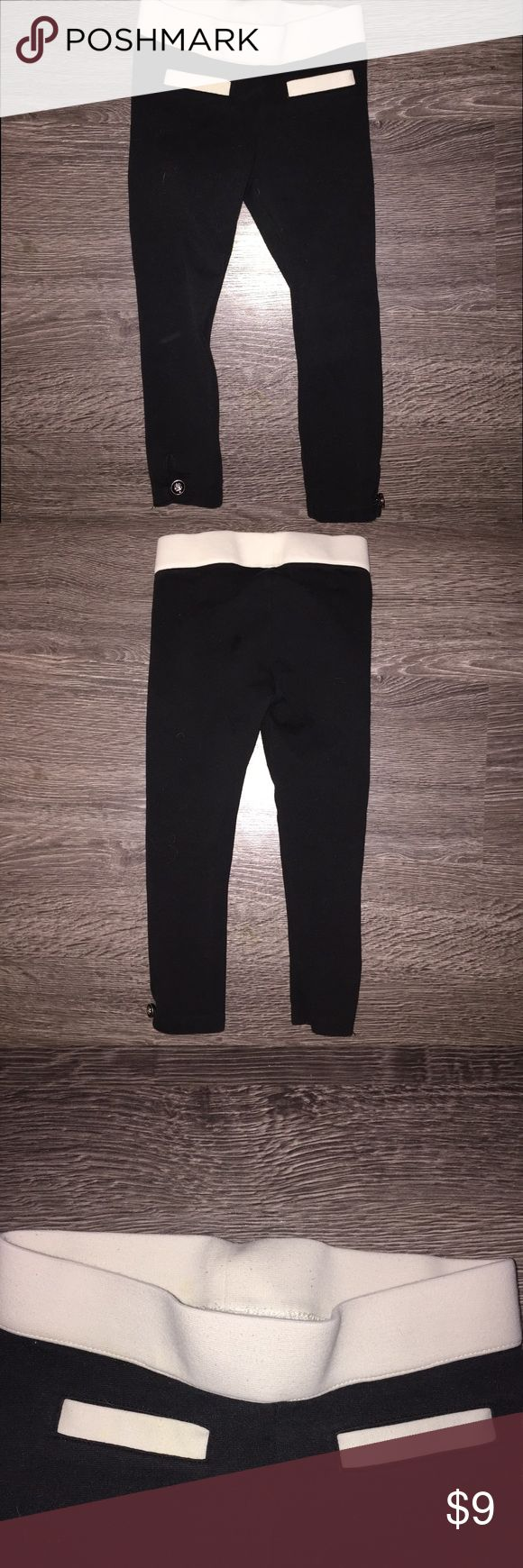Janie & Jack Black and white girls pants thicker legging type pre loved has the little fuzzies on waist band shown in picture, size 3 Janie and Jack Bottoms