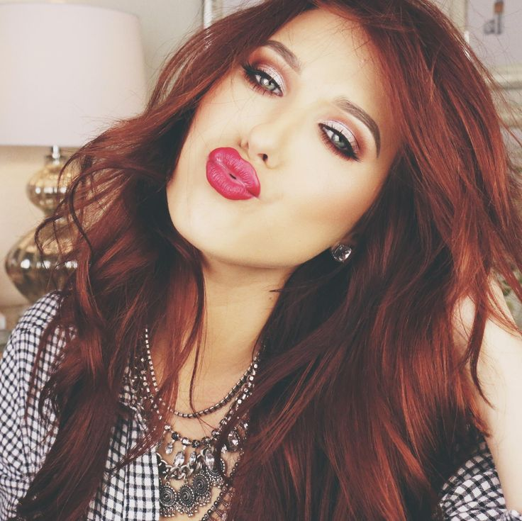 <3 Jaclyn Hill <3 She's a natural blonde and is an amazing red head. Wonder what I would look like with this color hair