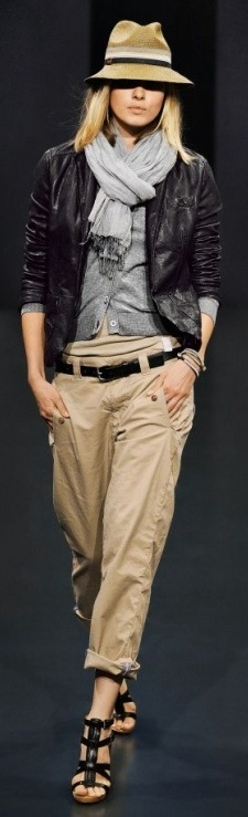casual -love it! baggy khakis, grey top, black leather jacket, tan fedora, grey scarf, black sandals