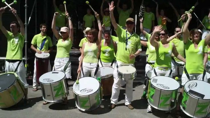 Les INSTRUMENTS de la SAMBA ou MOYENS RYTHMIQUES de la SAMBA de ENREDO dans le Défilé du Carnaval de Rio