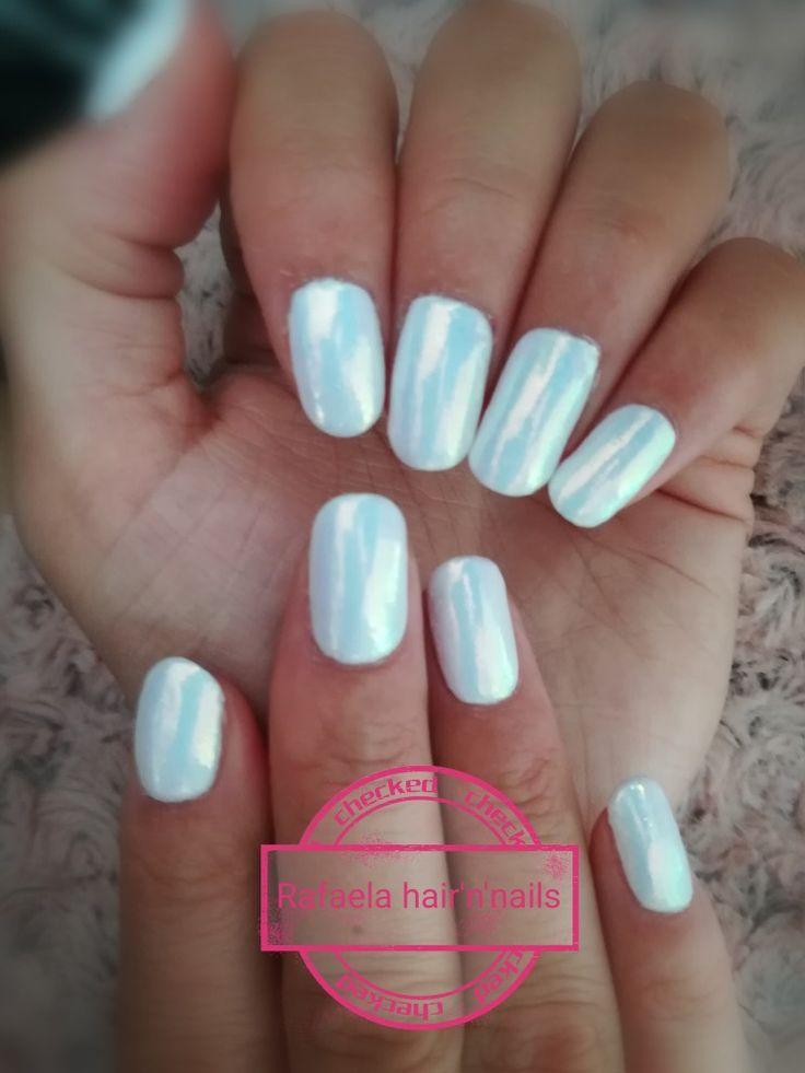 White nails, mermaid effect
