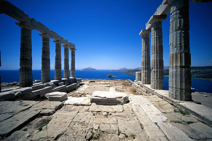 #sunioview  Cape Sounion , the ancient temple of Poseidon , one of the most important sanctuaries of antiquity. Built in 440 BC , the time went down in history as the golden age of Pericles , the ideal location would be in the temple of the sea god . Seems to unite heaven , earth and sea.