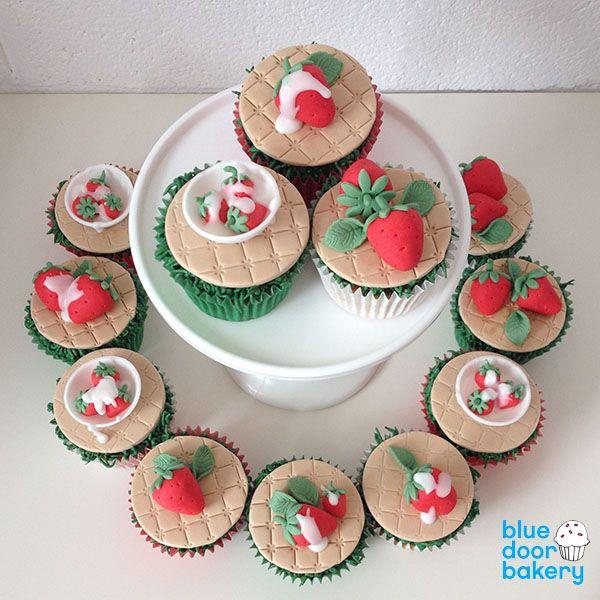 Wimbledon Cupcakes Step by Step Tutorial – Strawberries & Cream   Blue Door Bakery