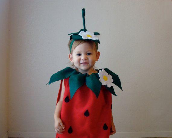 die besten 25 kost m erdbeere ideen auf pinterest erdbeer kost m faschingskost m erdbeere. Black Bedroom Furniture Sets. Home Design Ideas