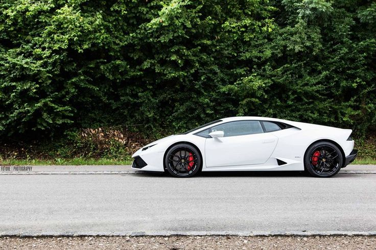 huracan with black wheels lamborghini white. Black Bedroom Furniture Sets. Home Design Ideas