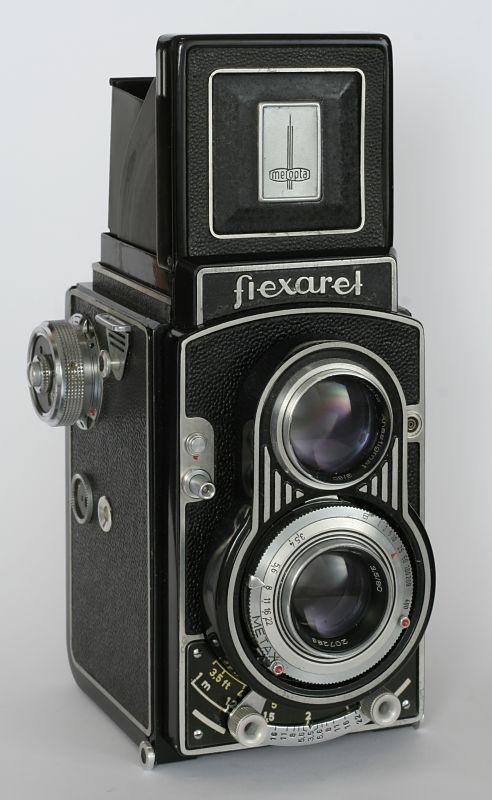 The Czech-made Flexaret V twin lens reflex camera (1958-1961) by Meopta. A beauty. via cevela