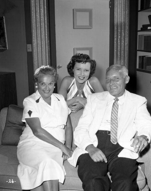 Betty White And Her Parents Betty White Pinterest