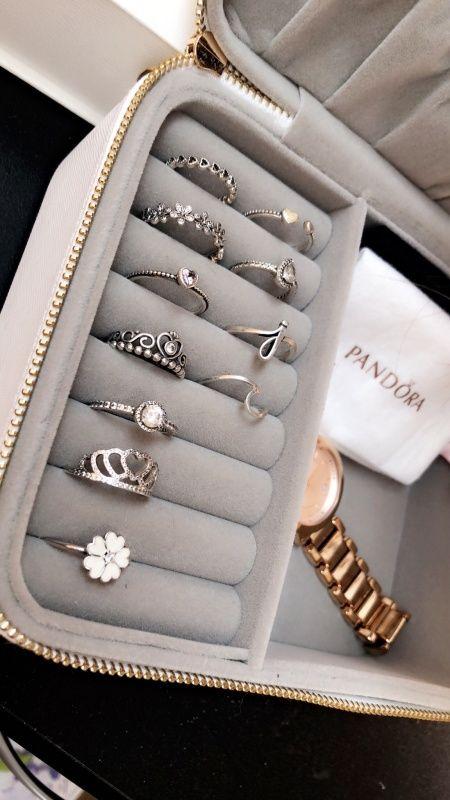24a2b421d VSCO - taylorbriganti Cute Jewelry, Ring Jewelry Box, Jewellery Box, Pandora  Jewelry Box