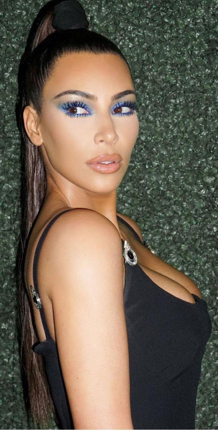 Kim Kardashian Makeup Inspo Kimkardashian Makeup Eyemakeup Makeupinspiration Kim Kardashian Hair Kim Kardashian Makeup Kardashian