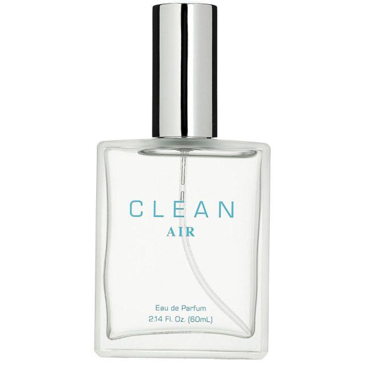 Clean Air Eau de Parfum 60 ml er en parfume med en fjerlet, træ- og blomsteragtig aldehyd komposition. Duften af Clean Air edp er i sig selv både strålende og feminin, men denne parfume er designet til at kunne kombineres med mange af de øvrige Clean parfumer (også herre parfumer). På den måde har du muligheden for at skabe din egen unikke duft, med et blomstret indslag fra Clean Air.