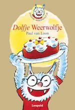 7+ Loon / Makkelijk Lezen Plein Spanning & Avontuur.  De ouders van Dolfje zijn verdwenen toen hij drie jaar was. Hij woont nu bij de ouders van zijn vriendje. Op zijn zevende verjaardag ontdekt hij dat hij een weerwolf is. De opa van Dolfje blijkt ook een weerwolf te zijn en hij geeft zijn kleinzoon dan ook tips om in het gewone leven zijn weg te vinden. Een met humor geschreven verhaal. Vanaf ca. 7,5 jaar.