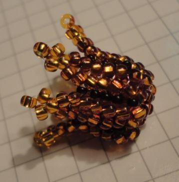 """Herringbone bead cap - very nice, detailed picture tute.  This is half way to a flower """"bud"""". #seed #bead #tutorial"""