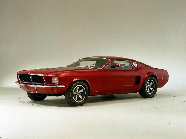 初代が世に送り出されてから、今年で50周年を迎えるフォード「マスタング」。公開されたこれまでのドローイングや写真のなかから、クールでクレイジーなものをピックアップして紹介する。